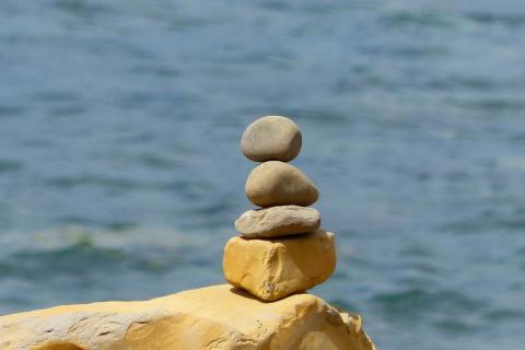 stones-4762110_1920.jpg